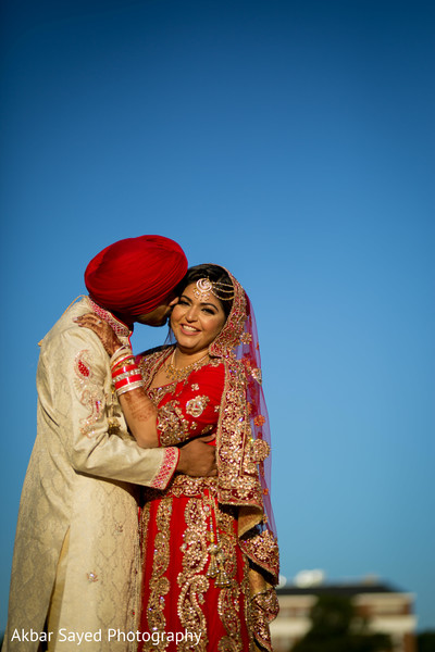 Indian bride and groom's outdoor photo shoot