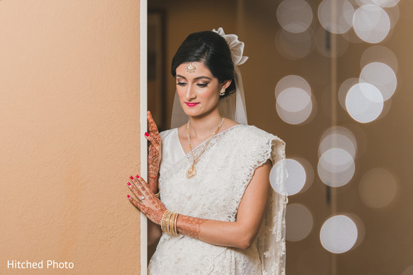 indian bride,white saree,indian wedding photography