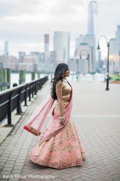 indian wedding photography,reception fashion,indian bride,lehenga