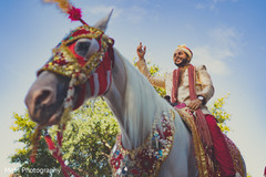 indian wedding baraat,baraat horse,indian groom fashion