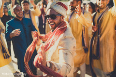 indian wedding baraat,baraat horse,indian groom fashion,dj and entertainment