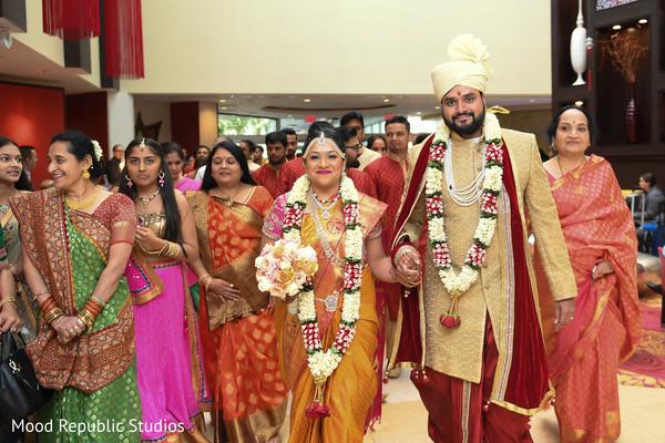 indian bride and groom,indian wedding ceremony photography,indian wedding ceremony