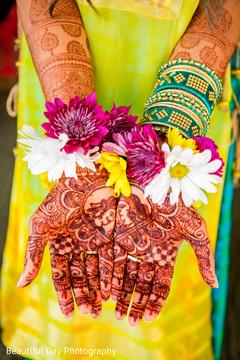 indian bride,flower jewelry,bridal mehndi