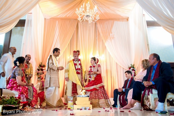 indian bride and groom,indian wedding ceremony,agni