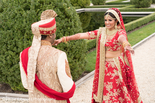 indian bride and groom,indian wedding ceremony fashion,first look