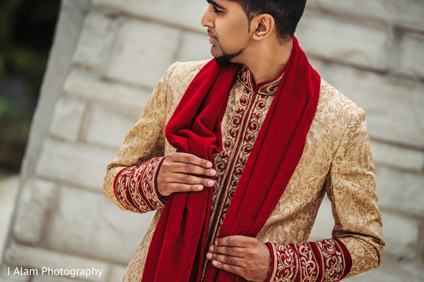 0f033d576c889 Elegant indian groom posing for photo shoot | Photo 138836