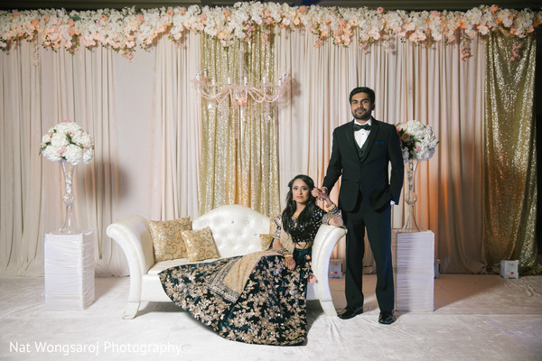 indian couple,indian wedding reception fashion