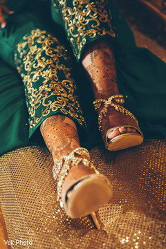 indian bride fashion,bridal shoes,pre-wedding photography