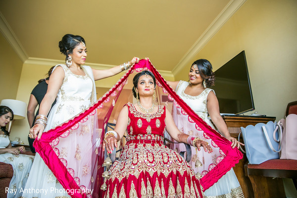 indian bride getting ready,bridal jewelry,indian bride fashion,ghoonghat