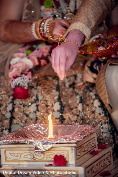 indian wedding,sacred fire,indian wedding ceremony