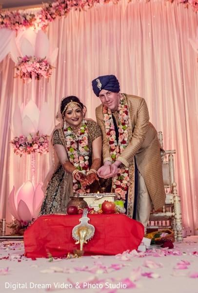 indian wedding,indian bride,jaimala