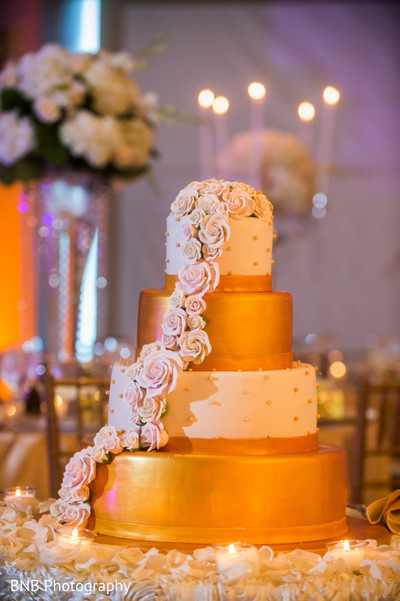 indian wedding reception,indian wedding cake,indian wedding cake design