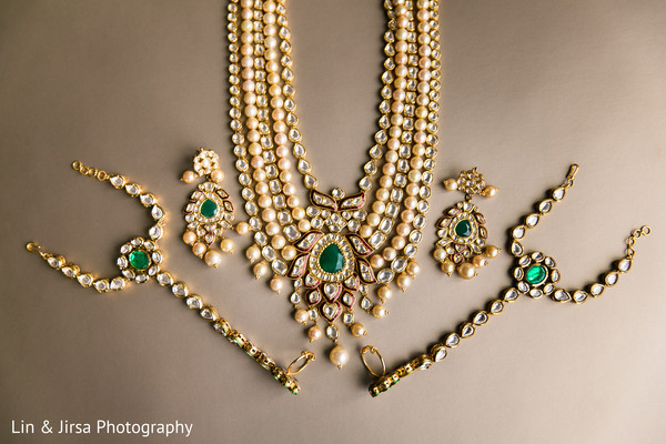 kundan bridal jewelry,bride jewelry set photography,indian bride accessories