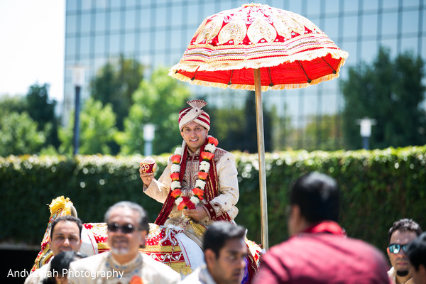 indian wedding baraat,baraat,indian groom fashion