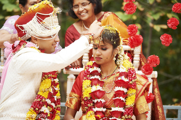 indian wedding ceremony,indian bride and groom,sindhoor