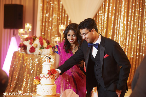 indian wedding reception,indian bride and groom,indian wedding cake