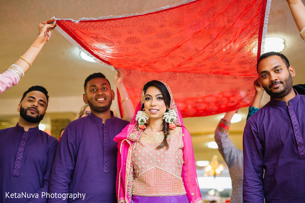 pre-wedding celebrations,indian bride,mehndi night,indian groomsmen