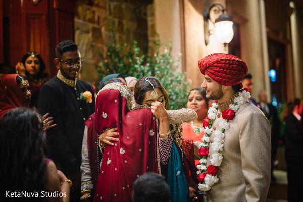 Pakistani newlyweds farewell.