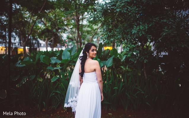indian bride,bridal bouquet,indian wedding photography