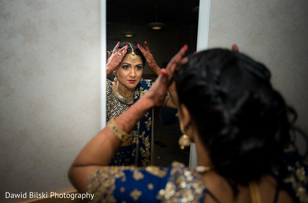 indian bride getting ready,indian bridal jewelry,indian bride