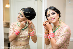 Sweet indian bride's getting ready