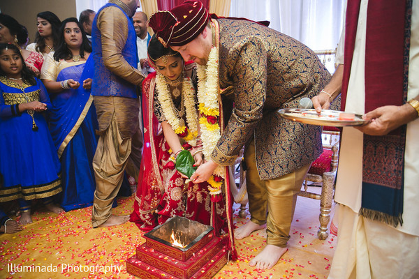 indian wedding ceremony,indian bride and groom,agni