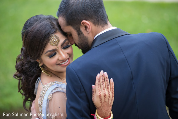 indian wedding gallery,outdoor photography,indian bride and groom,bridal jewelry