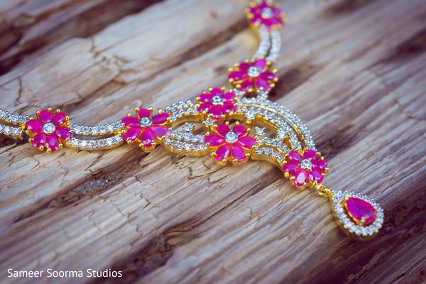 Dreamy Indian bride jewelry.