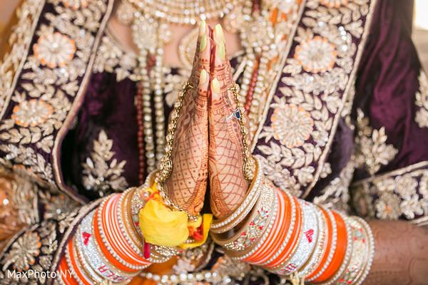 Flawless Indian bride hand mehndi.