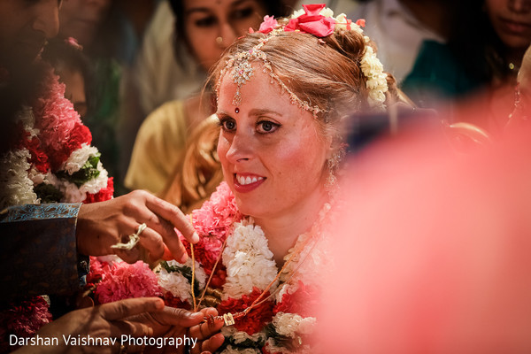 indian wedding ceremony,indian wedding ceremony photography,indian bride,mangalasutra ritual