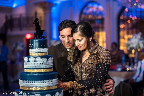 Insanely beautiful cake cutting.