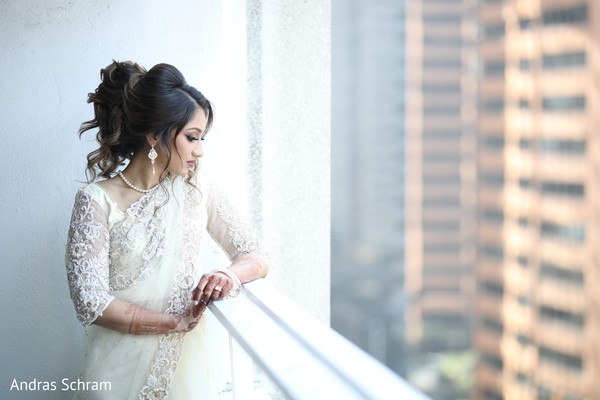 Indian bride's wedding photo session