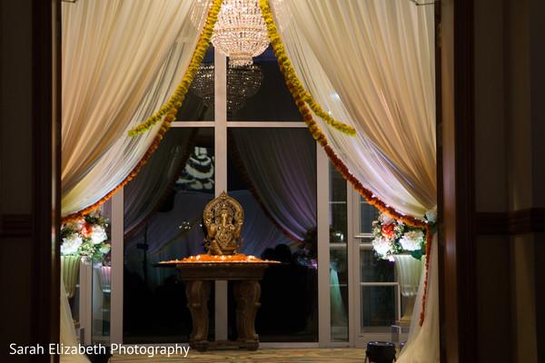 Phenomenal Indian wedding ceremony entrance.