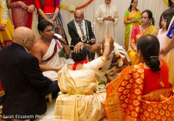 Amazing South Indian wedding photo idea.
