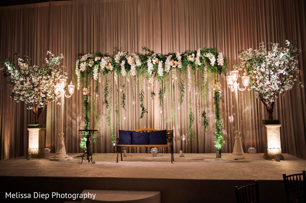 Indian Wedding Reception Stage Decor Photo 147114