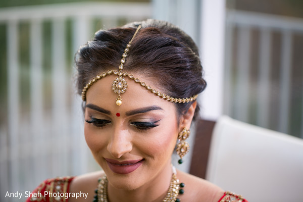 indian bride makeup,bridal jewelry,indian bride hair and makeup
