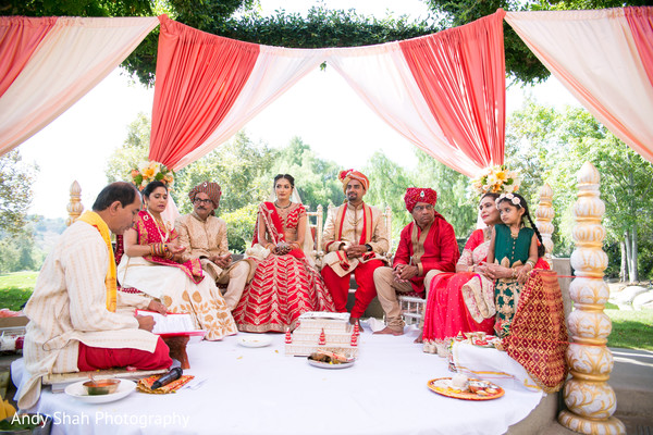 indian bride and groom,indian wedding ceremony,mandap