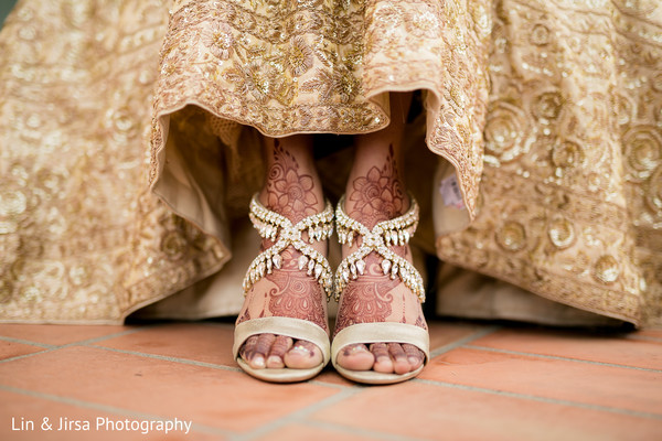 indian bride,indian bride shoes,ceremony fashion