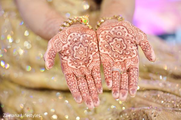 Incredible indian bride's mehndi