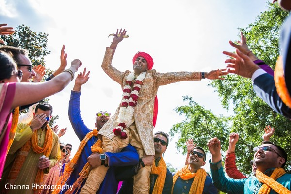 dhol player,baraat,baraat procession,indian groom