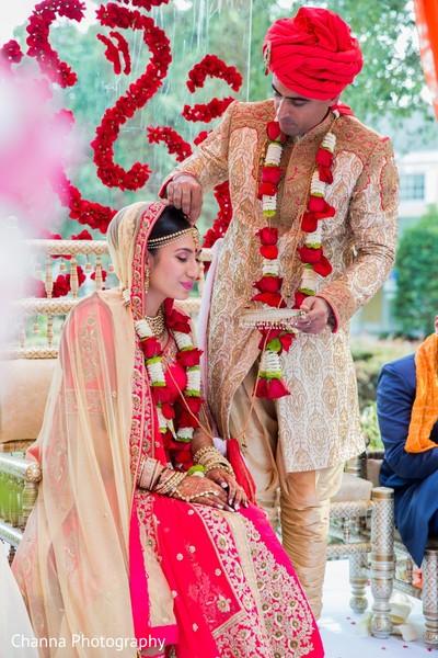 indian wedding ceremony,indian wedding ceremony photography,indian bride and groom,sindhoor wedding ritual