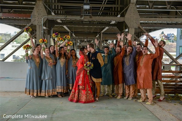 Marvelous indian lovebirds portrait with bridesmaids and groomsmen