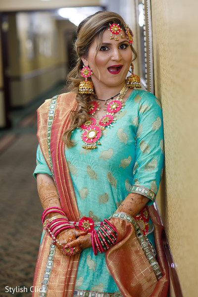 indian bride,pre-wedding fashion,indian bride jewelry