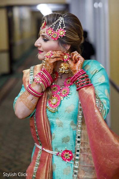 indian bride,pre-wedding fashion,indian bride jewelry,indian bride accessories
