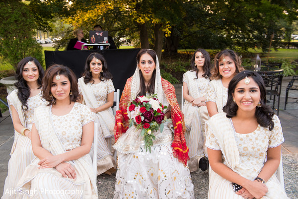 indian wedding gallery,indian bride fashion,indian bridesmaids fashion,bridal bouquet