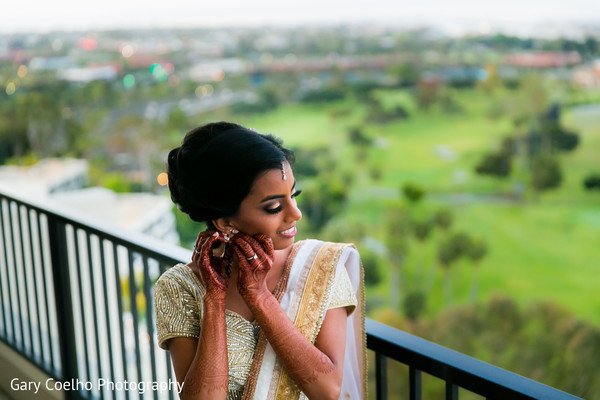 indian bride getting ready,indian bride,indian wedding gallery