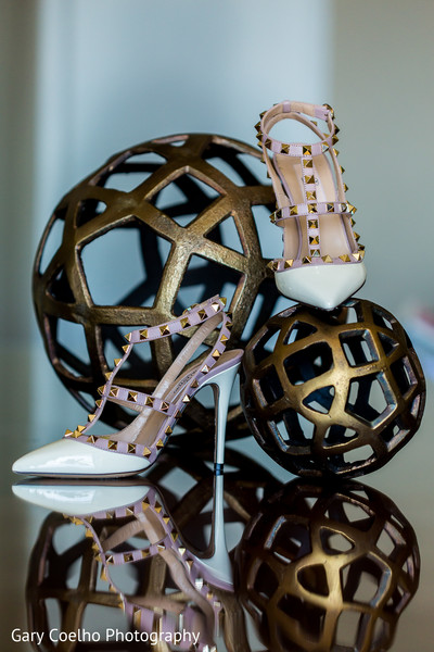 indian wedding gallery,indian bride shoes,indian bride fashion