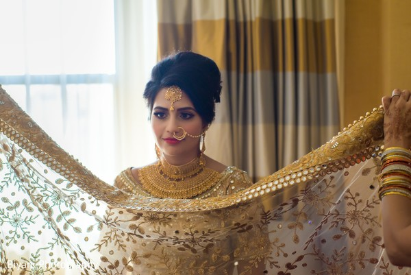 indian bride fashion,indian bride,getting ready,draping and styling