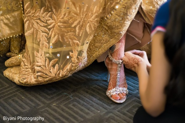 indian bride shoes,indian bride,getting ready