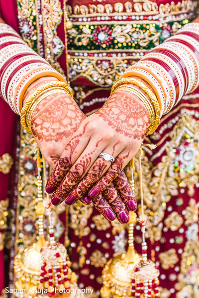 Wonderful indian bridal henna art